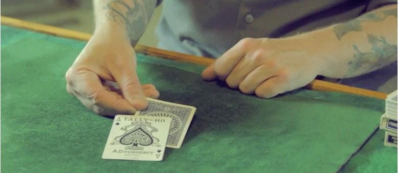 One-Hand Mexican Turnover - Doc Docherty - Vanishing Inc. Magic shop